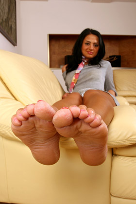 Foot worship and foot fucking with mia lelani 4